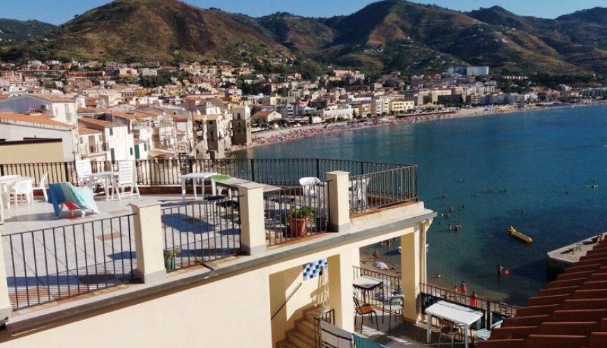 Die Terrassen des Klosters haben den schönsten Blick auf Cefalù