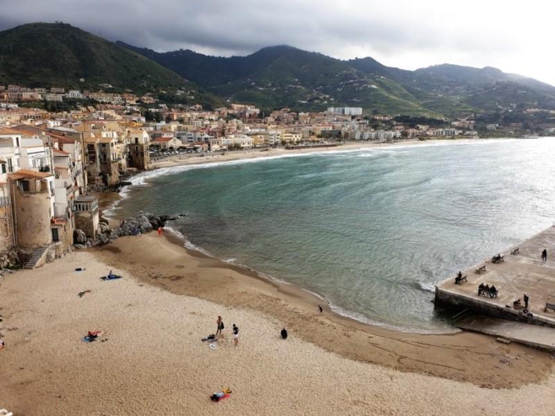 Camere in hotel a Cefalù nel Centro Storico davanti al mare e alla spiaggia nel Convento del Collegio di Maria